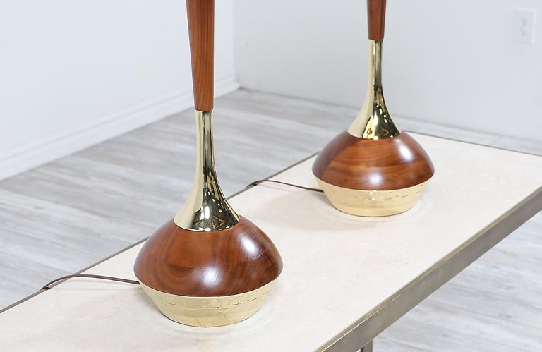 Mid-Century Modern Walnut & Brass Accent Table Lamps by Laurel For Sale 1