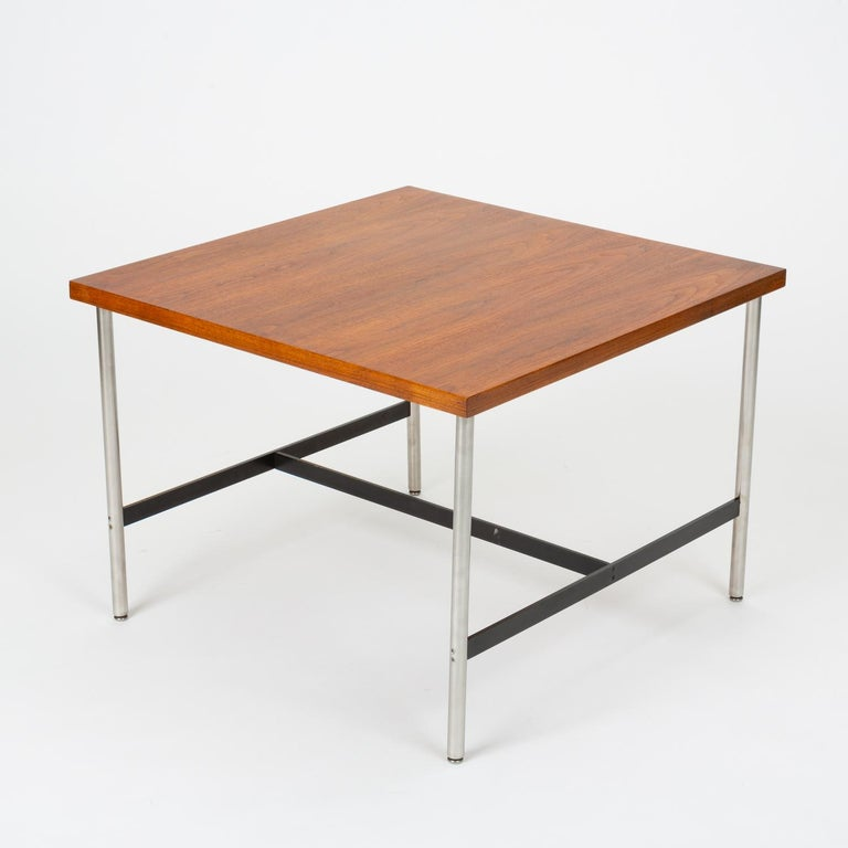 Mid-Century Modern Walnut Children's Work Table by Herman Miller In Excellent Condition For Sale In Los Angeles, CA