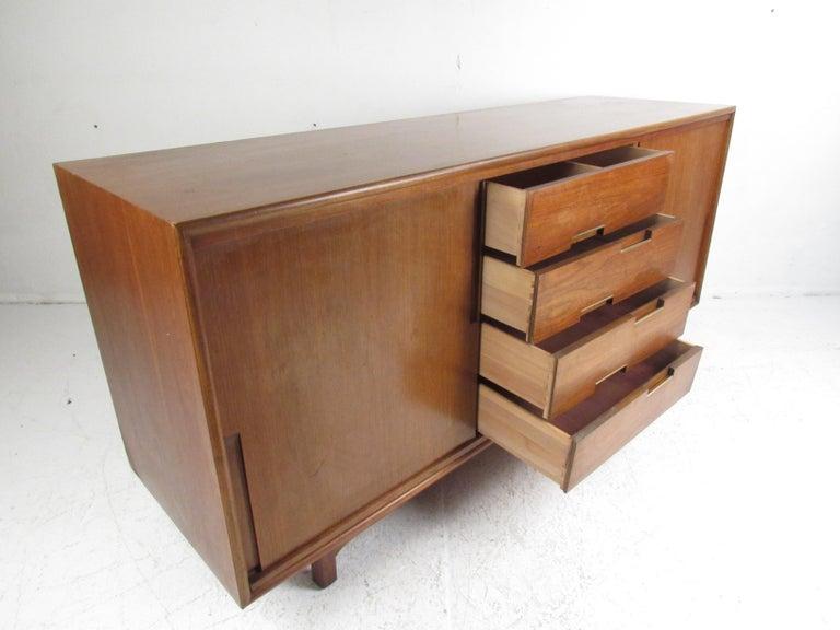 Mid-20th Century Mid-Century Modern Walnut Credenza by Cavalier Furniture For Sale