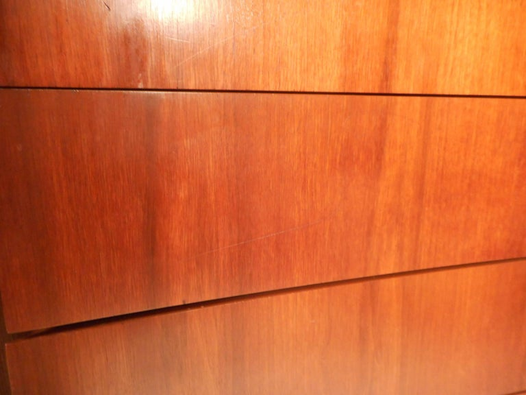 Mid-Century Modern Walnut Curved Front Highboy Dresser For Sale 1