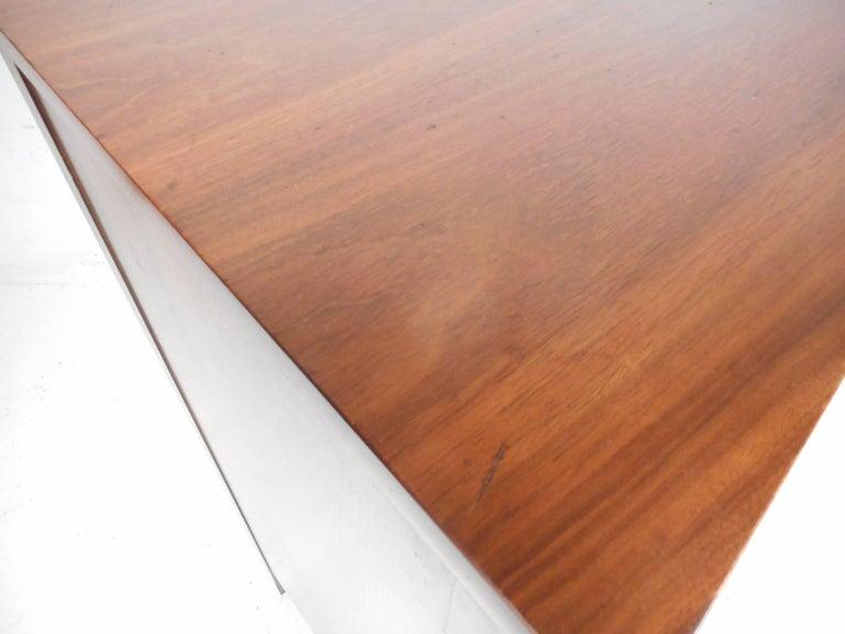 Mid-Century Modern Walnut Curved Front Highboy Dresser For Sale 2
