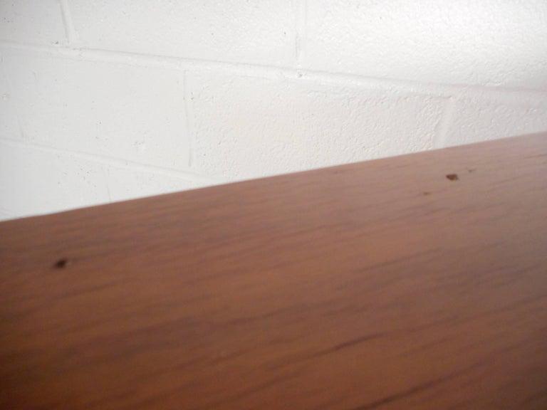 Mid-Century Modern Walnut Curved Front Highboy Dresser For Sale 4