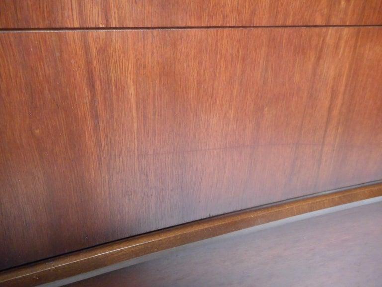Mid-Century Modern Walnut Curved Front Highboy Dresser For Sale 5