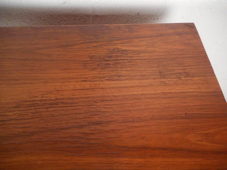 Mid-Century Modern Walnut Desk with a Finished Back For Sale 6