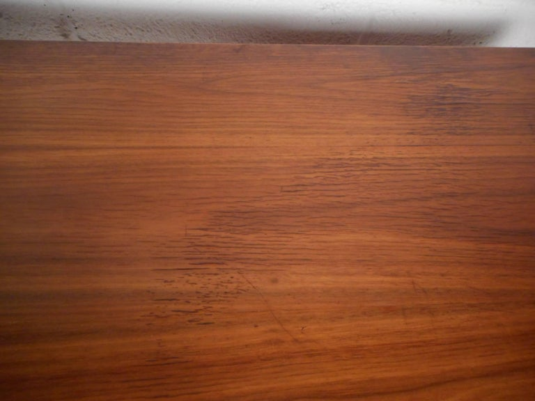 Mid-Century Modern Walnut Desk with a Finished Back For Sale 7