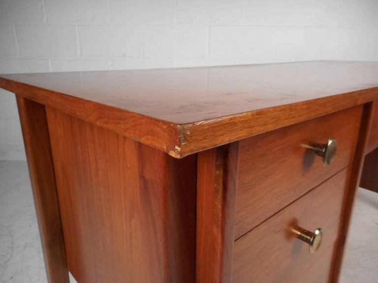 Mid-Century Modern Walnut Desk with a Finished Back For Sale 2