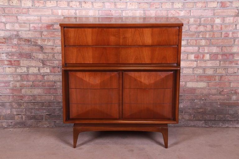 American Mid-Century Modern Walnut Diamond Front Highboy Dresser by United, 1960s For Sale