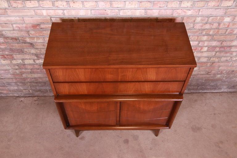 Mid-Century Modern Walnut Diamond Front Highboy Dresser by United, 1960s For Sale 3