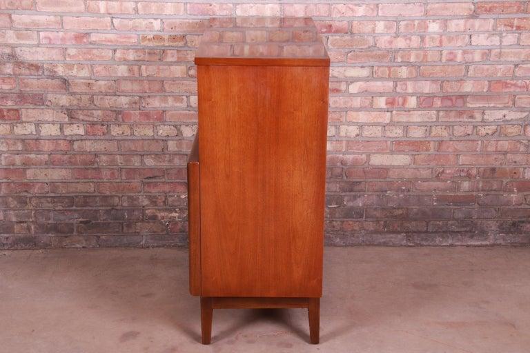 Mid-Century Modern Walnut Diamond Front Highboy Dresser by United, 1960s For Sale 4
