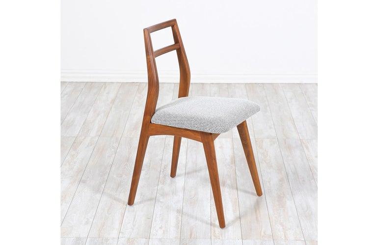 Mid-20th Century Mid-Century Modern Walnut Dining Chairs