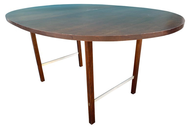 Mid-Century Modern Walnut Dining Table by Paul McCobb for Calvin 2 Leaves In Good Condition For Sale In BROOKLYN, NY