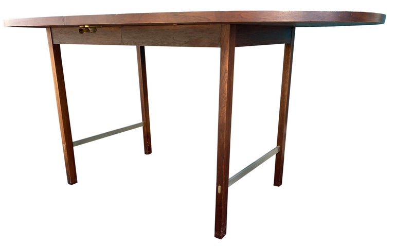 Mid-20th Century Mid-Century Modern Walnut Dining Table by Paul McCobb for Calvin 2 Leaves For Sale