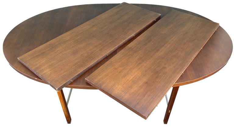 Aluminum Mid-Century Modern Walnut Dining Table by Paul McCobb for Calvin 2 Leaves For Sale