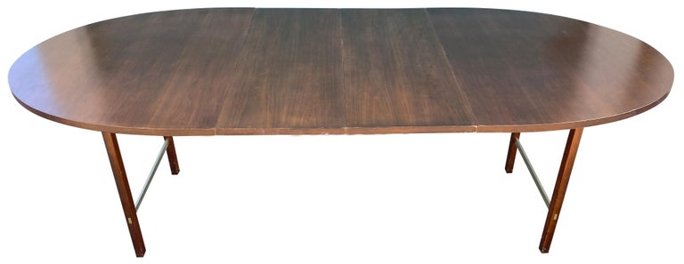 Mid-Century Modern Walnut Dining Table by Paul McCobb for Calvin 2 Leaves For Sale 1