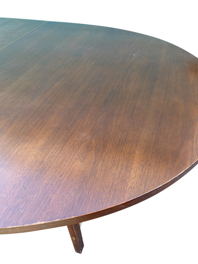 Mid-Century Modern Walnut Dining Table by Paul McCobb for Calvin 2 Leaves For Sale 3