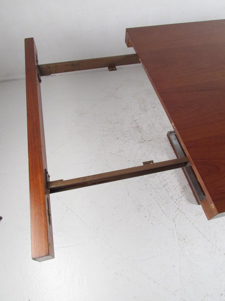 Mid-Century Modern Walnut Dining Table with a Pedestal Base 12