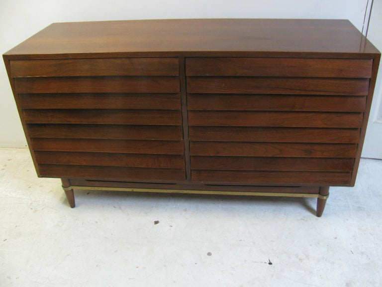 Mid-Century Modern Walnut Dresser American of Martinsville by Merton Gershun For Sale 8