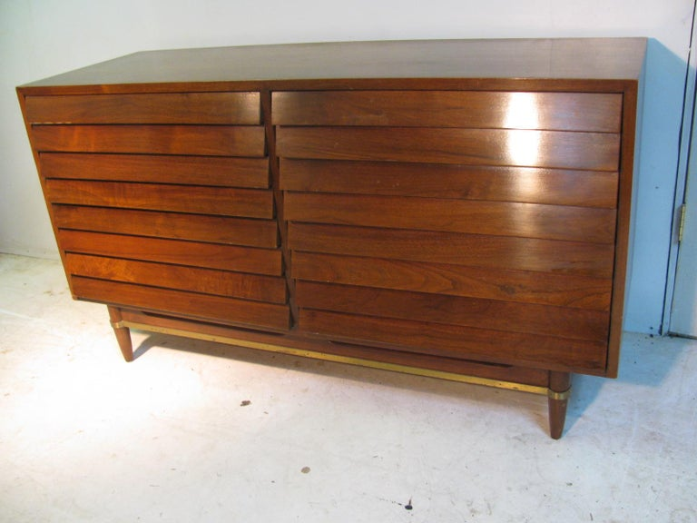 Mid-Century Modern Walnut Dresser American of Martinsville by Merton Gershun For Sale 9