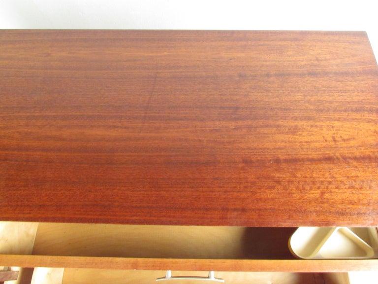 Mid-Century Modern Walnut Dresser For Sale 9