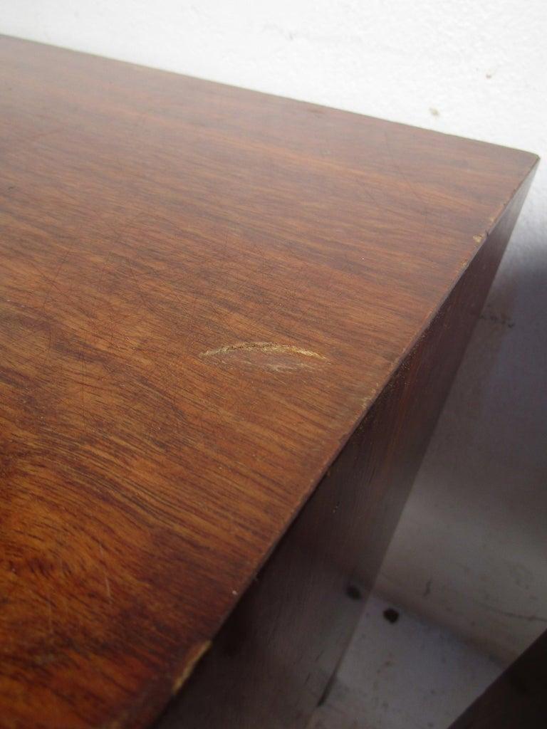 Mid-Century Modern Walnut Edmond Spence Bedroom Set For Sale 9