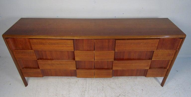 Mid-Century Modern Walnut Edmond Spence Bedroom Set For Sale 1