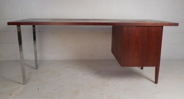 Late 20th Century Mid-Century Modern Walnut Executive Desk For Sale