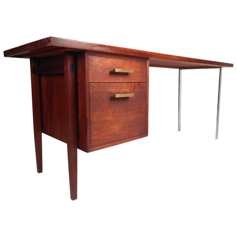 Mid-Century Modern Walnut Executive Desk For Sale