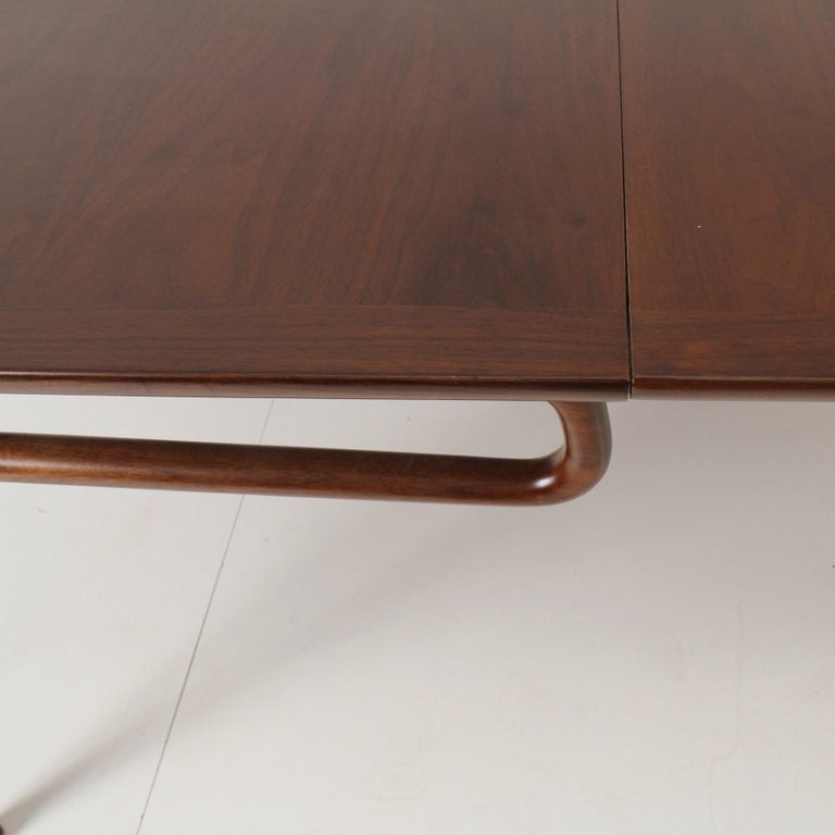 Mid-Century Modern Walnut Extension Dining Table For Sale 1