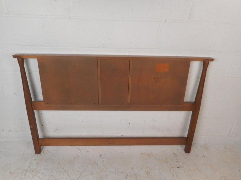 Mid-Century Modern Walnut Headboard and Footboard For Sale 2