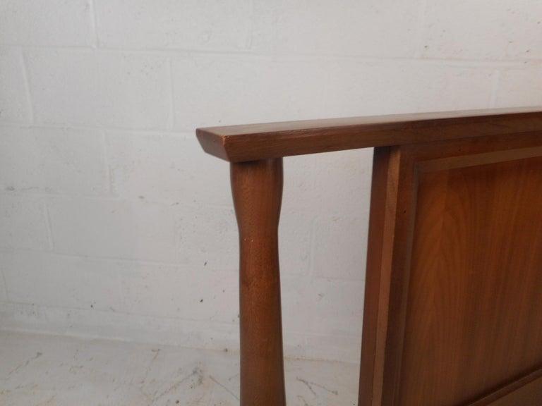 Mid-Century Modern Walnut Headboard and Footboard For Sale 4