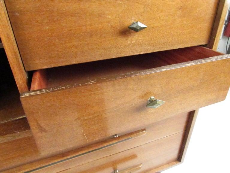 Mid-Century Modern Walnut Highboy Dresser For Sale 6