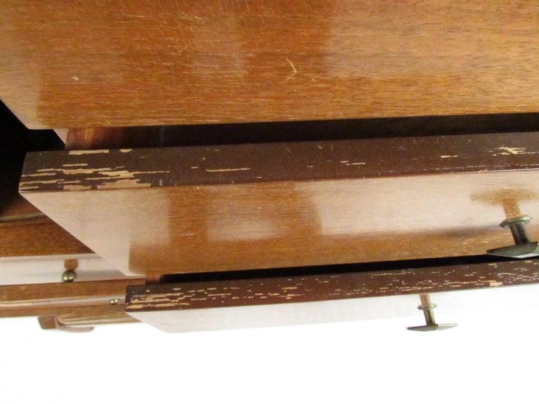 Mid-Century Modern Walnut Highboy Dresser For Sale 7