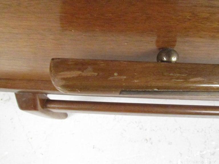 Mid-Century Modern Walnut Highboy Dresser For Sale 11