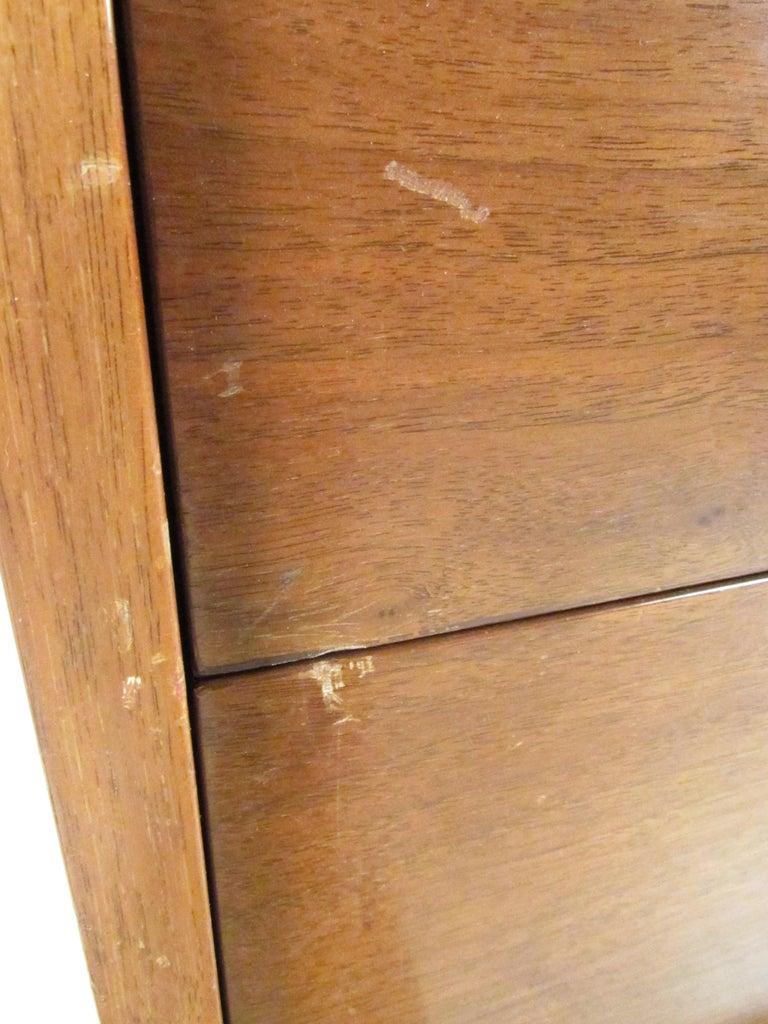 Mid-Century Modern Walnut Highboy Dresser For Sale 14