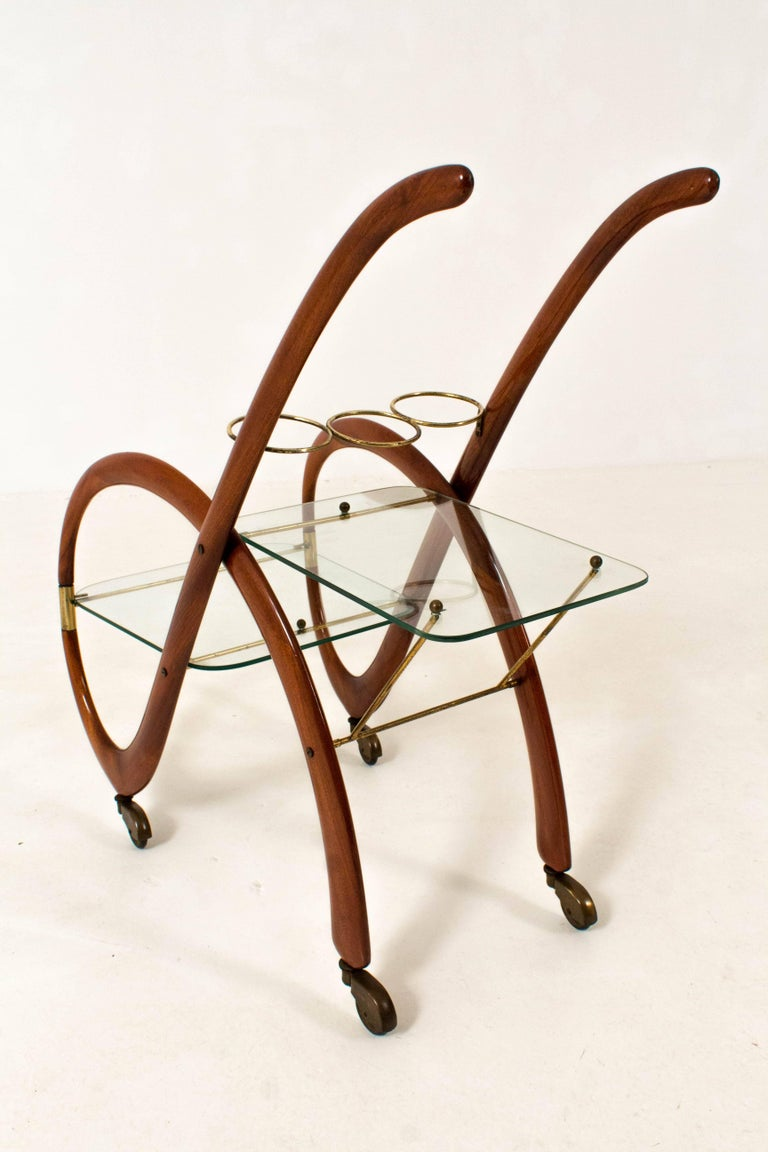 Mid-Century Modern Walnut Italian Bar Cart by Gaetano Pizzi, 1950s In Good Condition For Sale In Amsterdam, NL