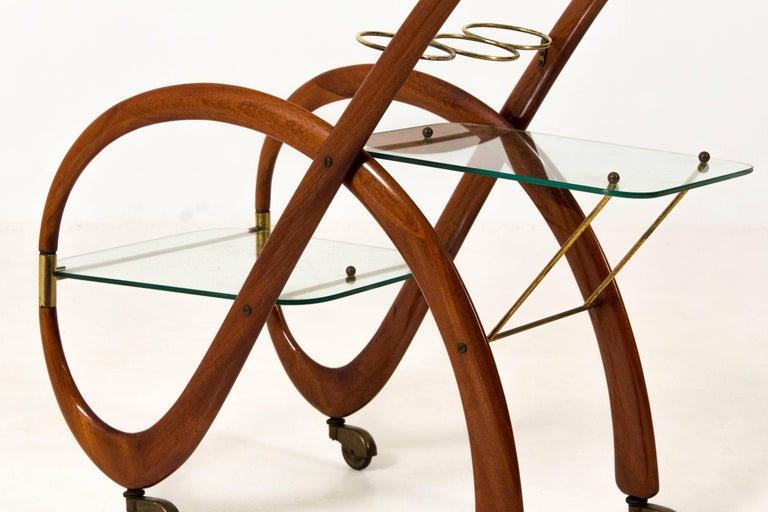 Mid-Century Modern Walnut Italian Bar Cart by Gaetano Pizzi, 1950s For Sale 1