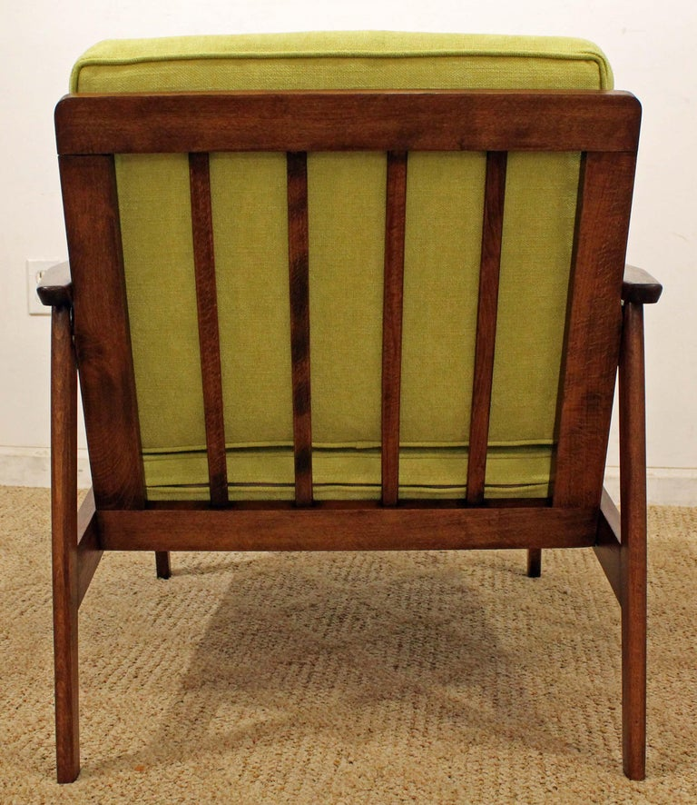 20th Century Mid-Century Modern Walnut Lounge Armchair For Sale