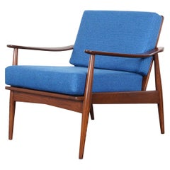 Mid-Century Modern Walnut Lounge Chair