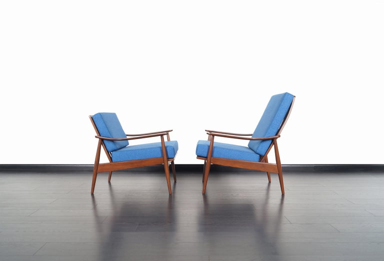 American Mid-Century Modern Walnut Lounge Chairs For Sale