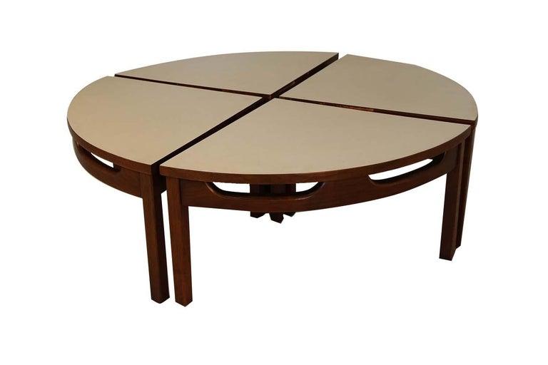 Mid-Century Modern Walnut Nesting Coffee Table For Sale 2
