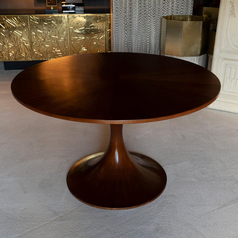 Mid-Century Modern Walnut Round Table Tulip Base, Italy, circa 1960s In Good Condition In Firenze, IT