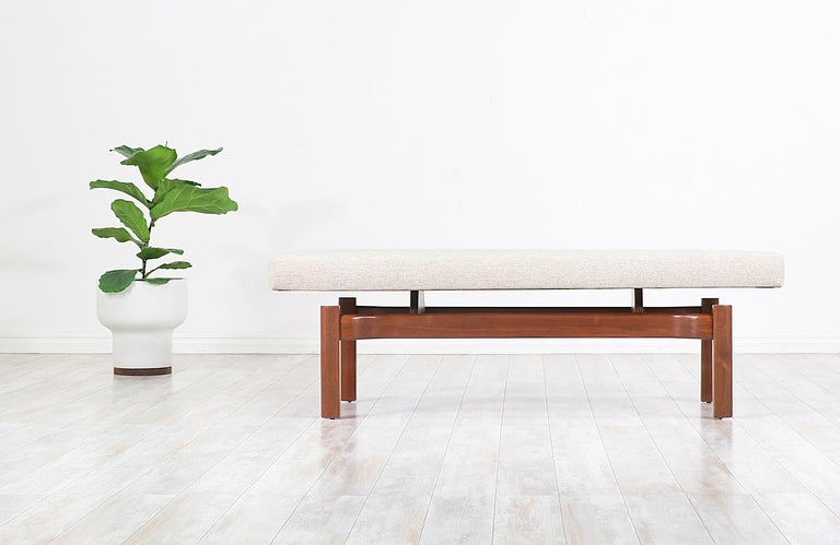 Mid-Century Modern Walnut Sculpted Floating Tufted Bench In Excellent Condition For Sale In Los Angeles, CA