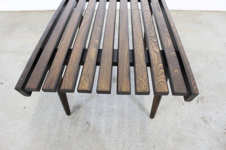 Mid-Century Modern Walnut Slat Bench End/Side Table For Sale 2