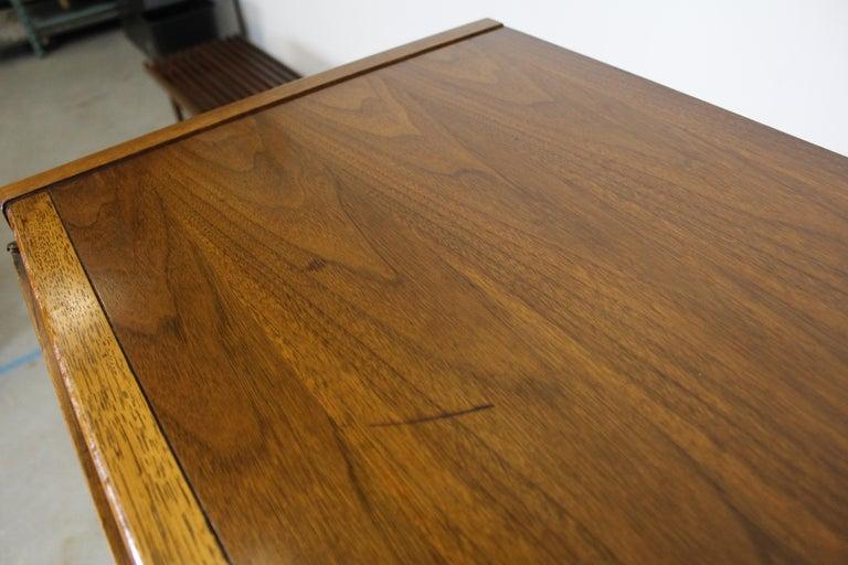 Mid-Century Modern Walnut Tall Chest Dresser For Sale 3