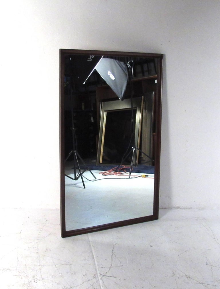 Mid-Century Modern Walnut Wall Mirror In Good Condition For Sale In Brooklyn, NY