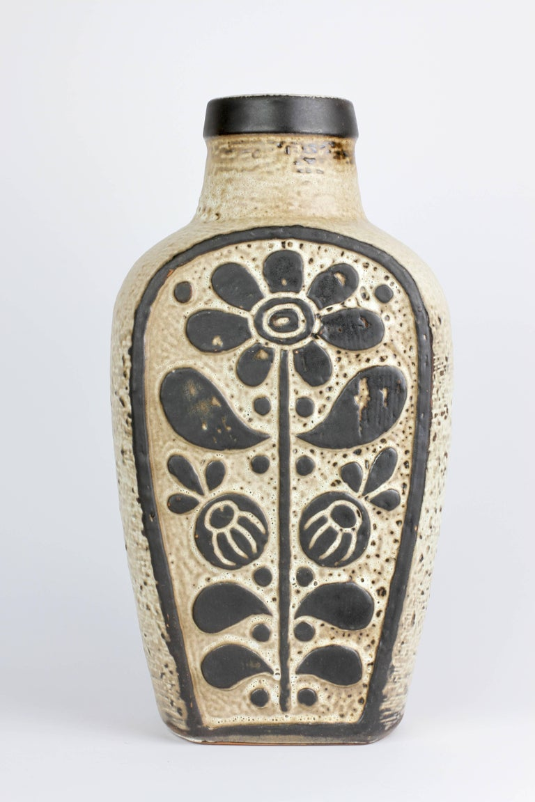 Clay Mid-Century Modern West German Pottery Vase by Dieter Peter for Carstens, 1970s For Sale