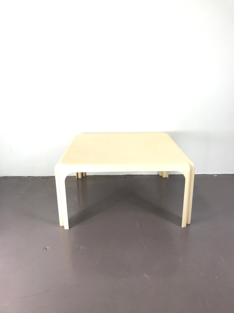 Italian white plastic 1960s coffee table by Vico Magistretti for Artemide Milano, good condition considering the age the tope is still nice and clean just little scratches here and there but over roll good conditions. The table has signature of