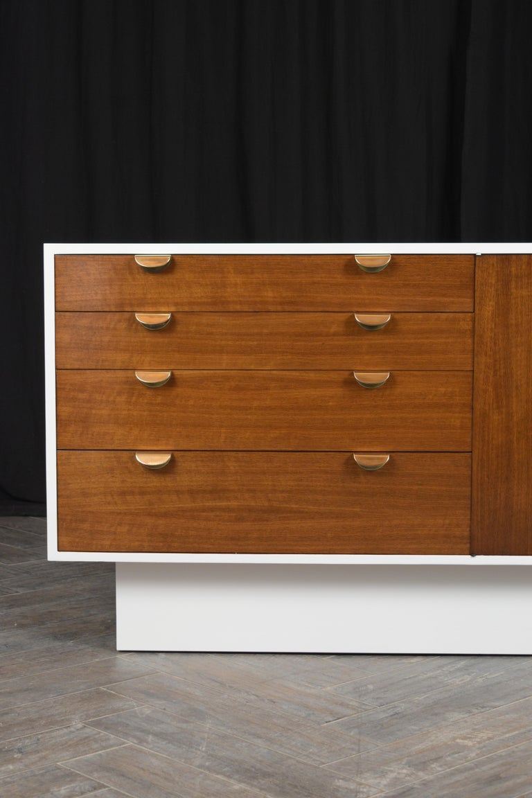 Mid-20th Century Mid-Century Modern White Lacquered Credenza For Sale