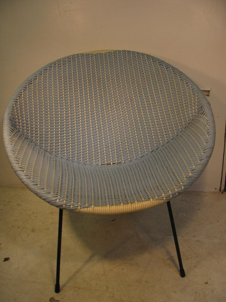 Mid-20th Century Mid-Century Modern Wicker Hoop Lounge Chair     For Sale