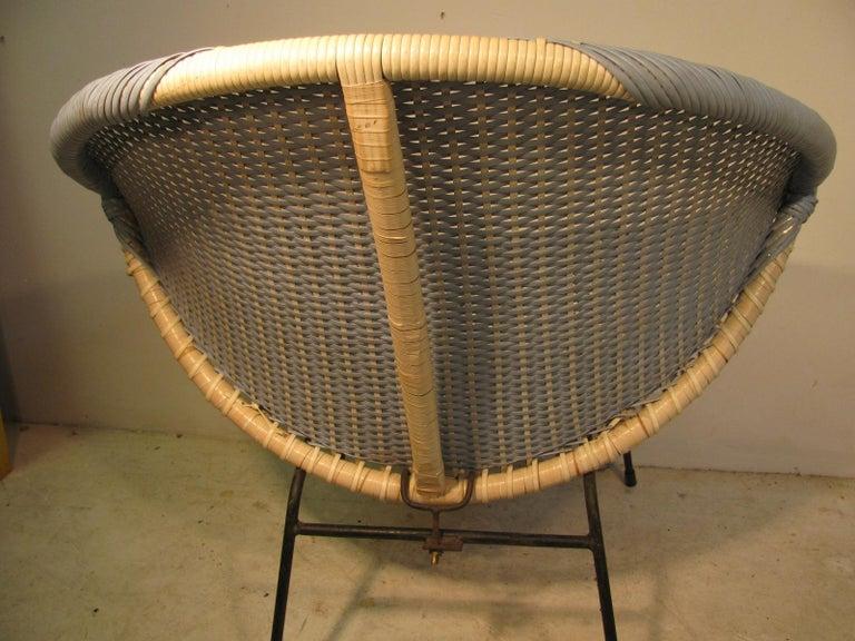 Mid-Century Modern Wicker Hoop Lounge Chair     For Sale 1